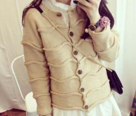 Sweet long-sleeved w..